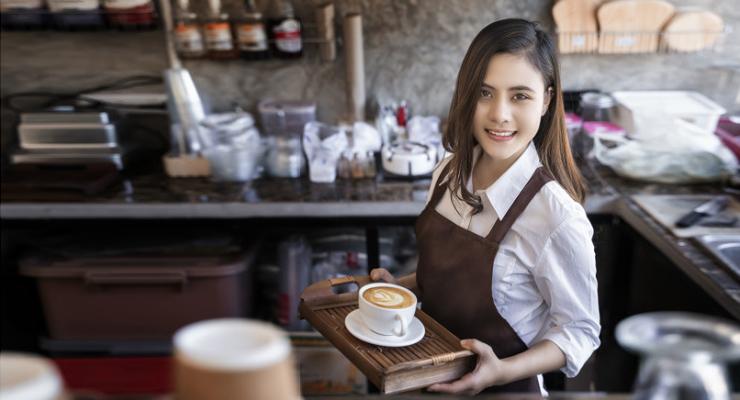 Cewek manis dan imut jadi BArista di Cafe Manis