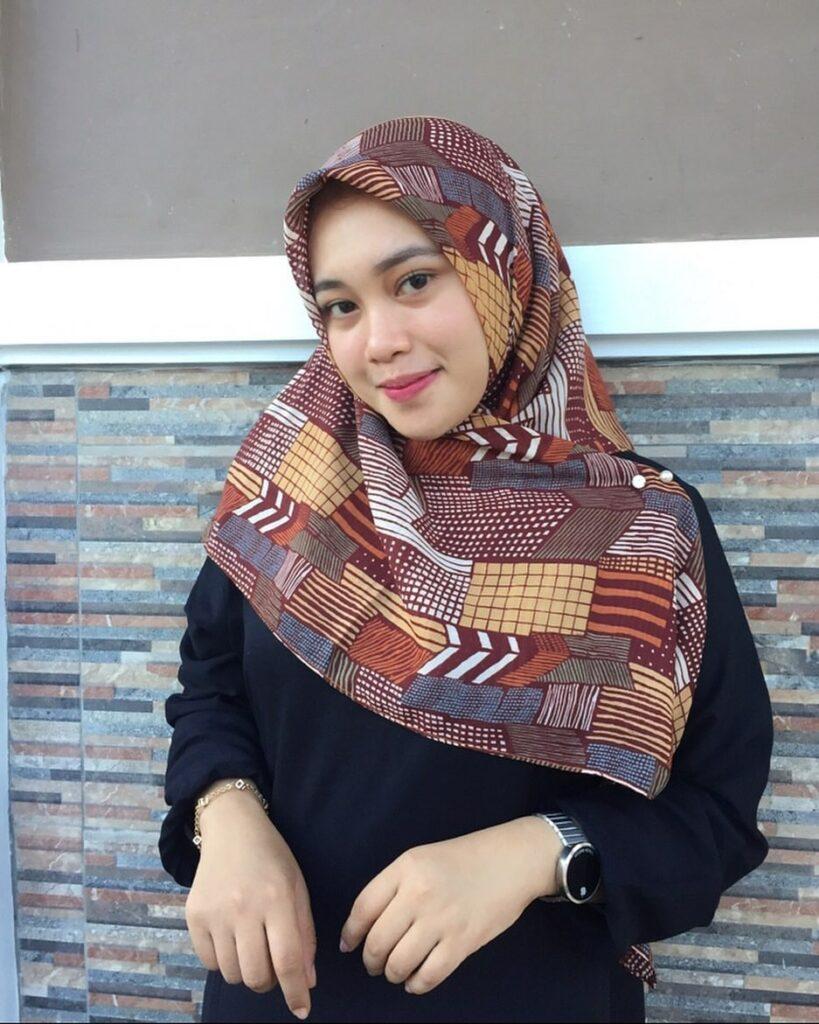 Foto cewek igo pakai Hijab manis dan super Cantik