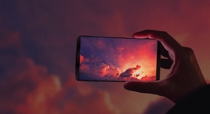 Tips buat motert pakai Handphone di Shutterstock