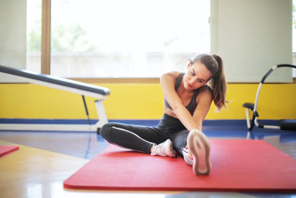 Contoh foto komersial cewek Cantik Yoga di Rumah