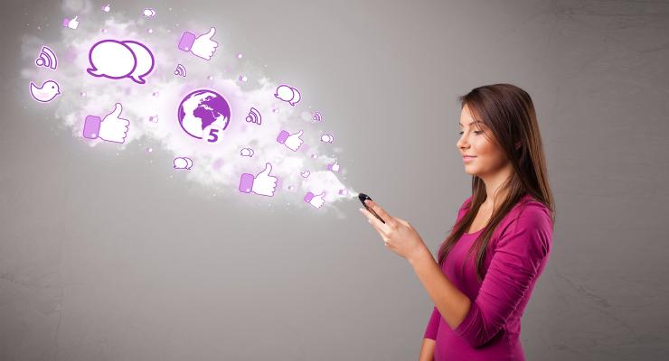 Contoh Salah Sat kegiatan Divisi Marketing Cewek manis