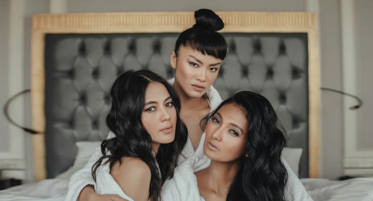 paula verhoeven supermodel cantik dari Indonesia