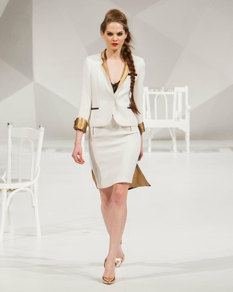 Cat Walk atau Pragawati Model pakaian Fashion event